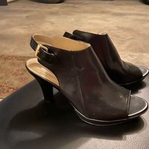 Naturalized N5 comfort size 8